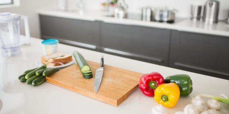 Helpful tips to plan a kitchen island – how to double your worktop surface!